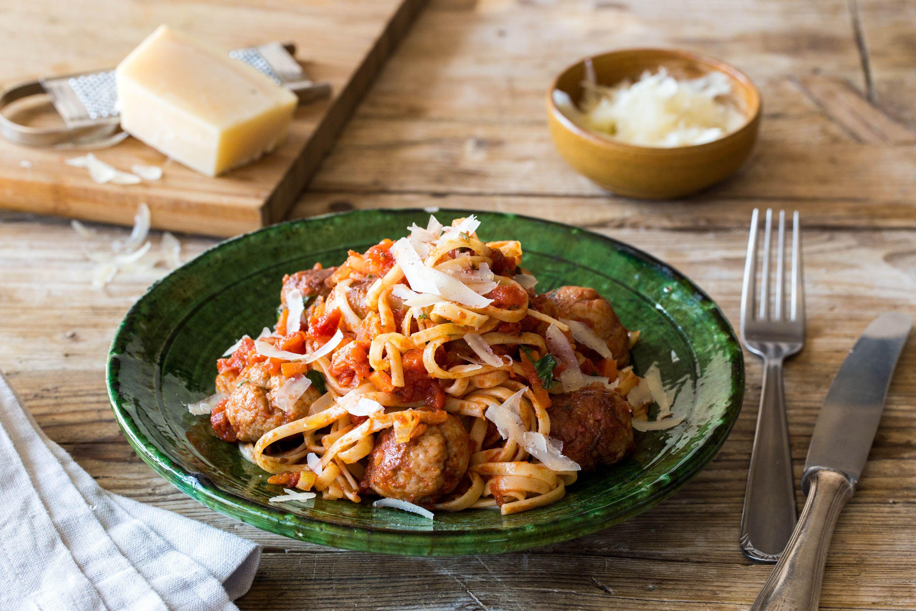 Blue apron meatballs - Swingball Meatballs With Smoked Tomato Linguine Recipe Hellofresh