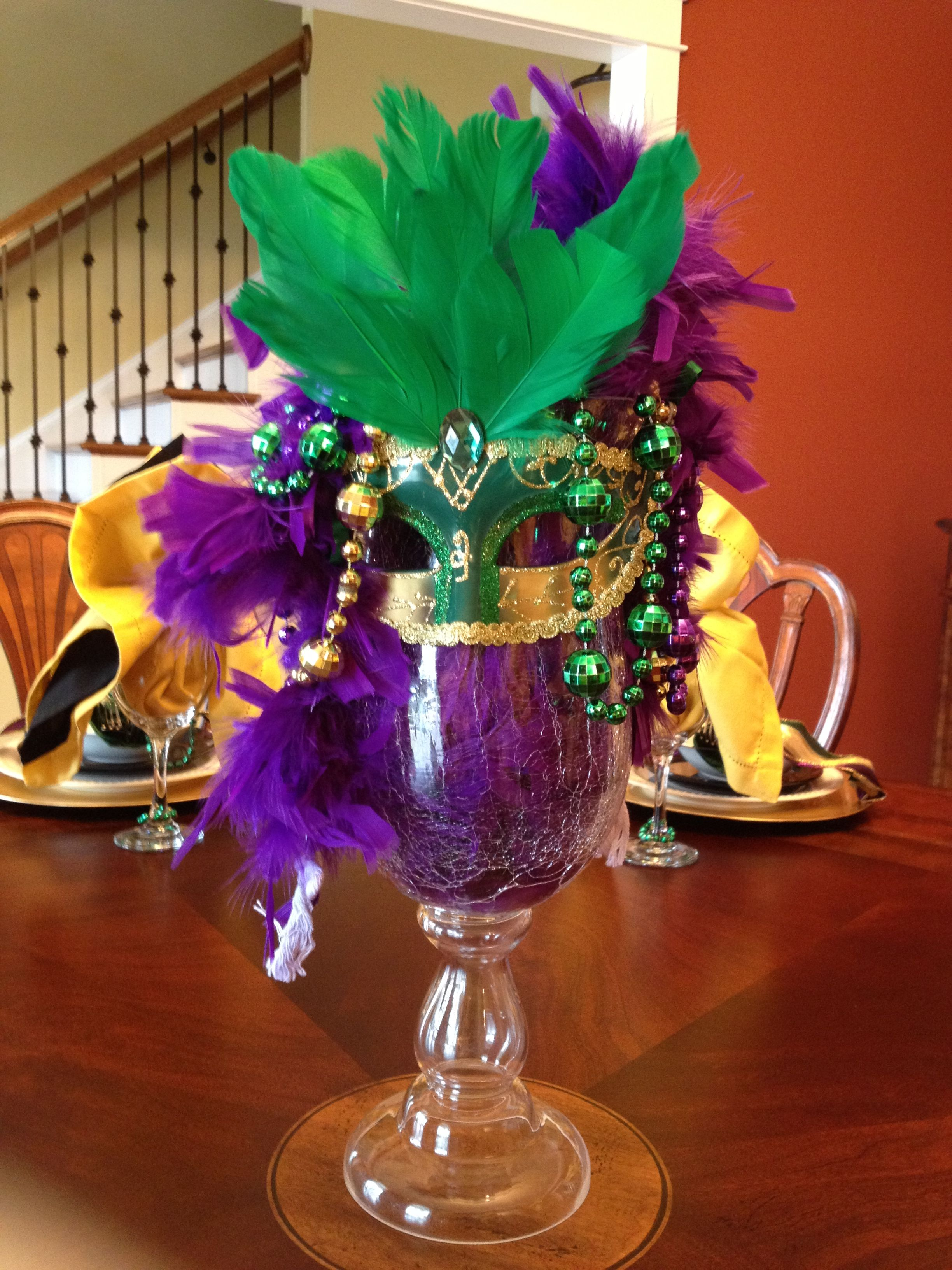 mardi gras table setting center piece let s decorate mardi rh pinterest es
