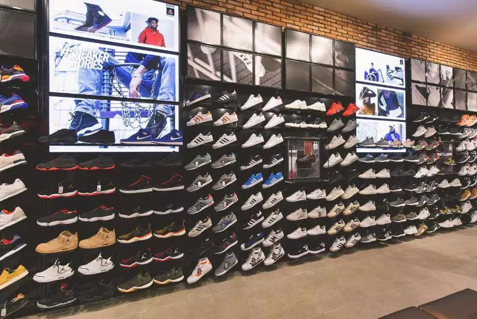 Foot Locker Opens in Singapore