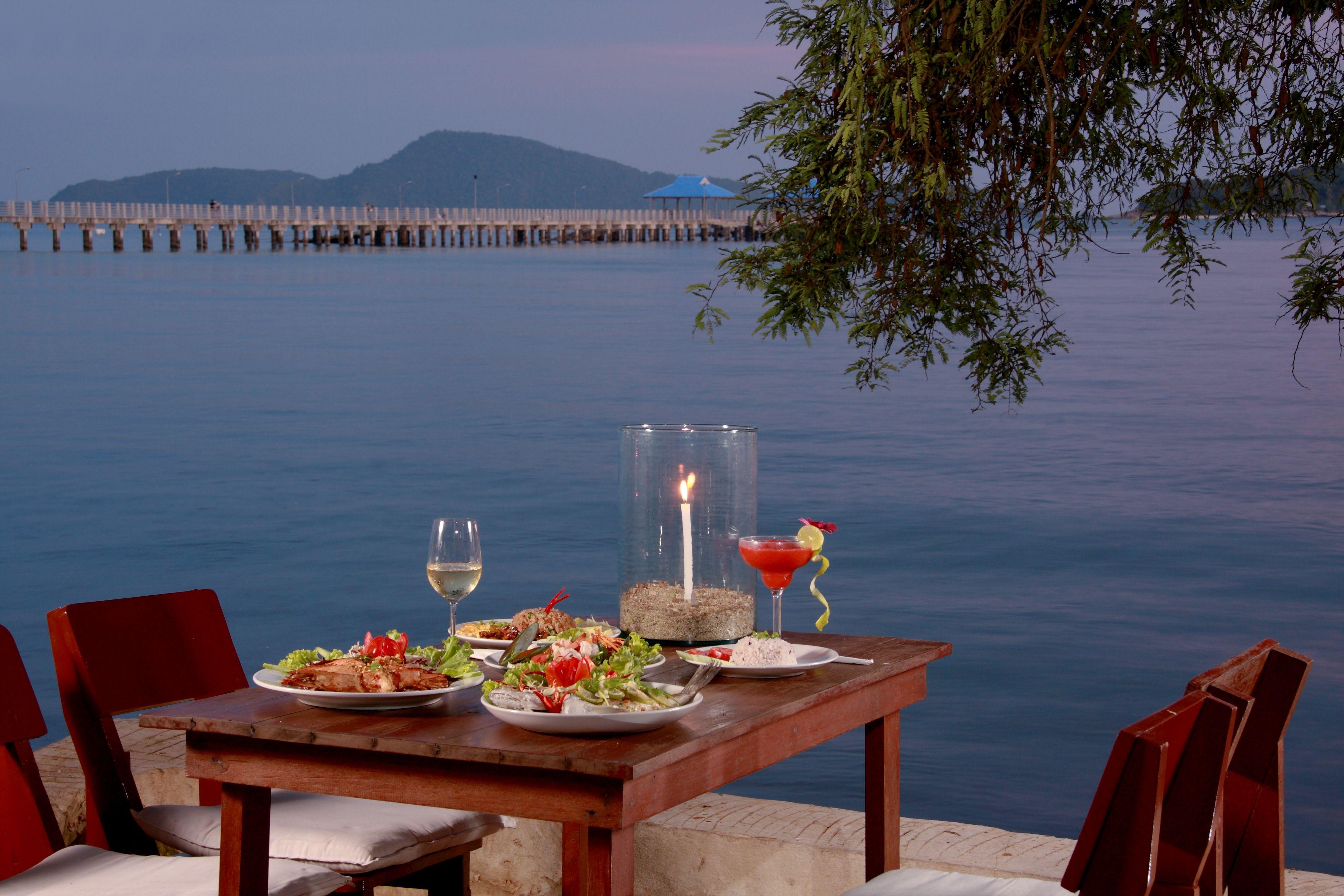 Dinner on the waters side at Nikitas