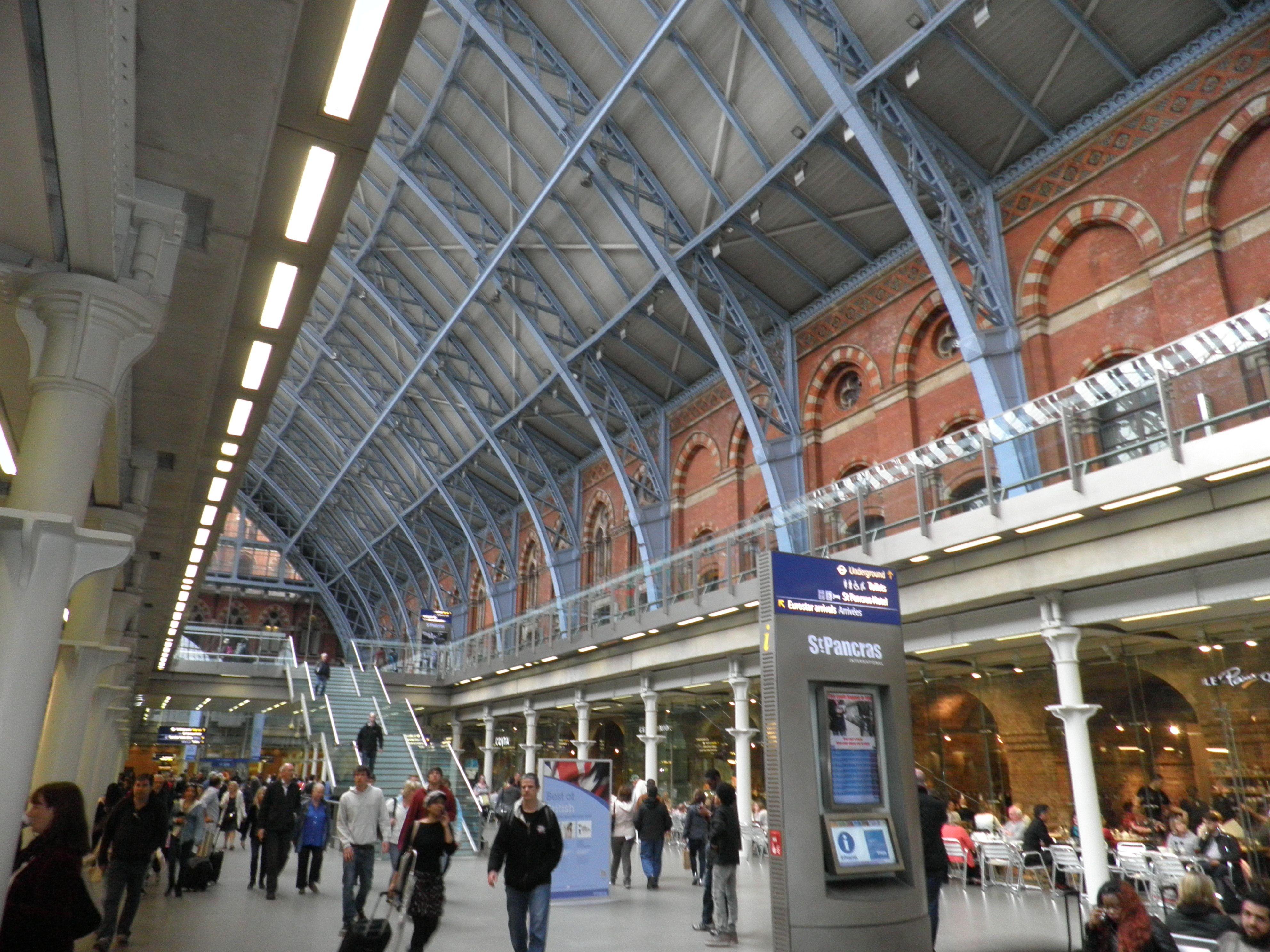 Inside St Pancras Railway Station In London St Pancras Station