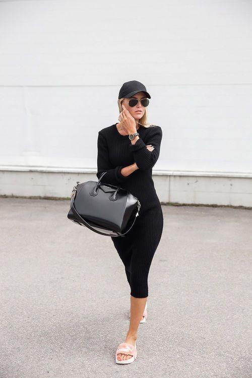 Imagem de black, dress, and fluffy