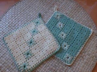 breien en haken in oostende: more crochet potholders