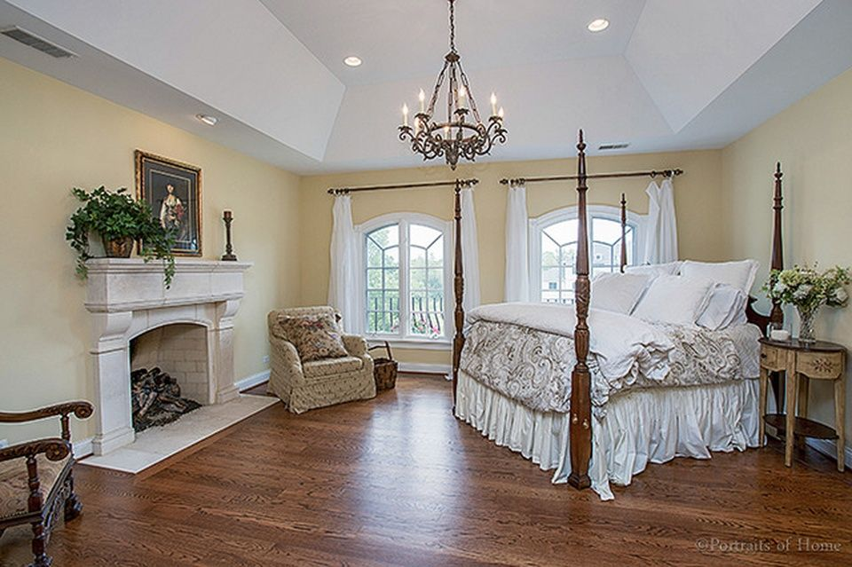 1703 E Prairie Ave Wheaton Il 60187 Zillow Home Types Of