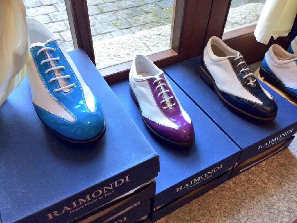 Puntaldia vetrina Raimondi...  #Raimondi #raimondigolfshoes #golf #shoes #golfshoes #italianstyle #madeinitaly #handmadeinitaly #italy #originali #puntaldia
