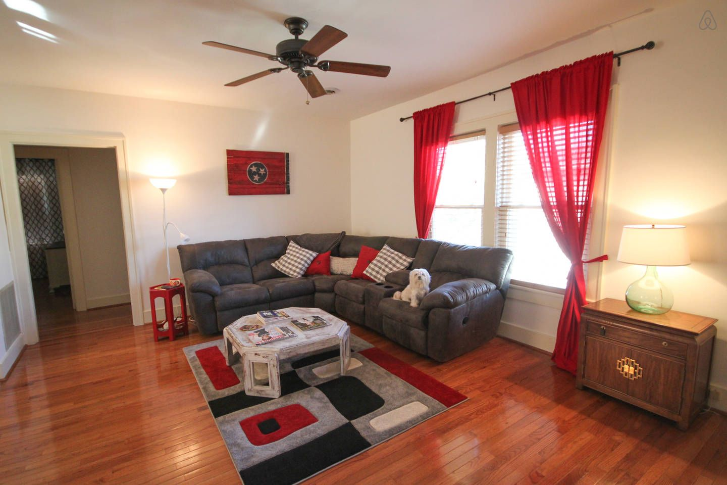 1000 sq ft Condo on Music Row/Vandy vacation rental in