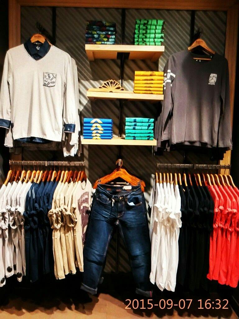 Pin By Hanifa On Armarios De Loja Masculino In 2019 Clothing Store