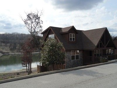 Branson S Perfect Lakefront Lodge With Beautiful Ozark Mountain View S Branson West Branson Vacation Lakefront Property Cabin Vacation
