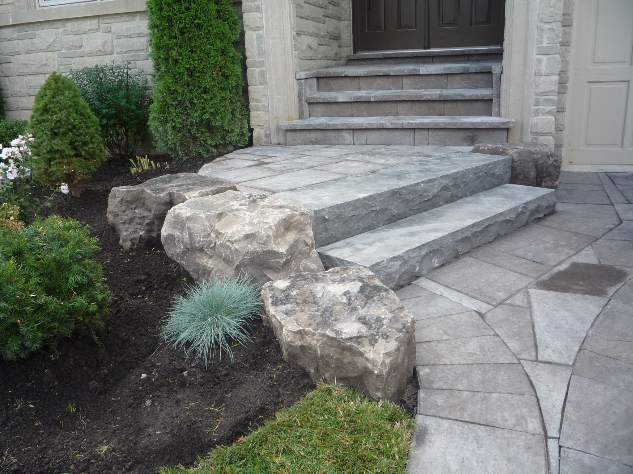 Front entrance mondrian slab natural stone steps garden for Pictures of stone steps