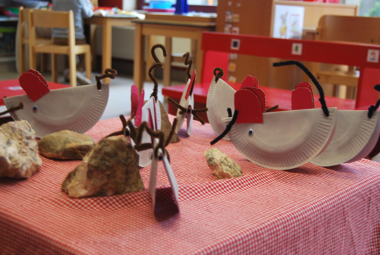 Muizen van kartonnen bordjes