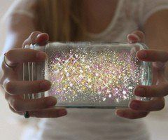 Fairies in a jar: 1. Cut a glow stick and shake the contents into a jar. Add diamond glitter 2. Seal the top with a lid. 3. Shake