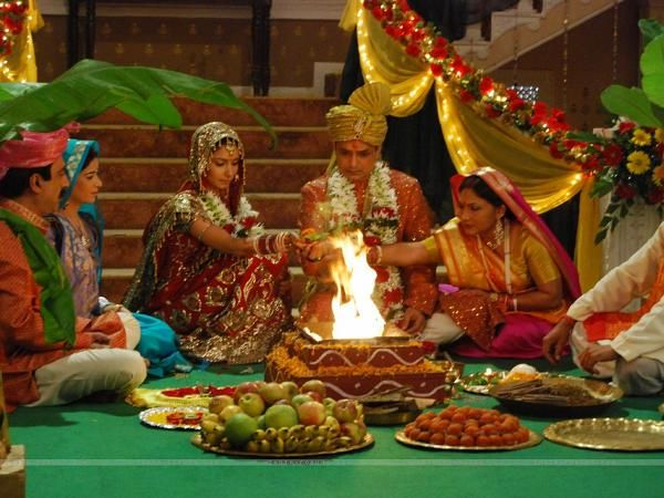 Marriage Traditions Around The World Pics: Wedding Traditions Around The World