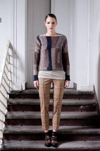 sweater de lana colores tierra y azul