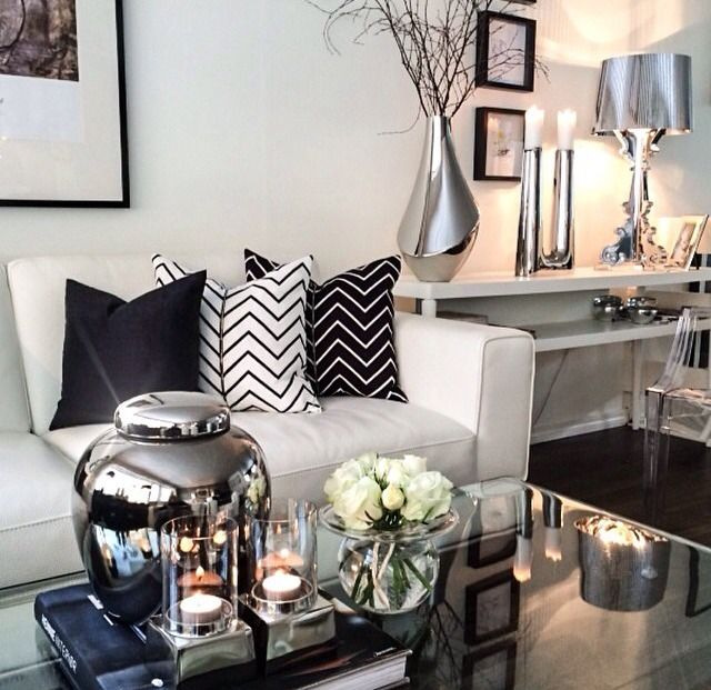 Decorating advice Elements of modern glamour Decorative Pillows
