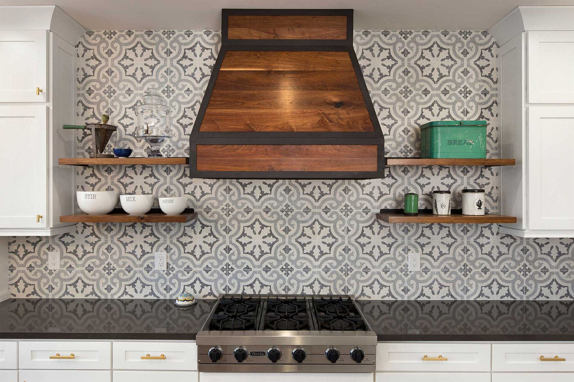 Spotlight On Kitchen Backsplash Trends Interior Designs Love Most Kitchen Backsplash Trends Rustic Kitchen Backsplash Backsplash Trends