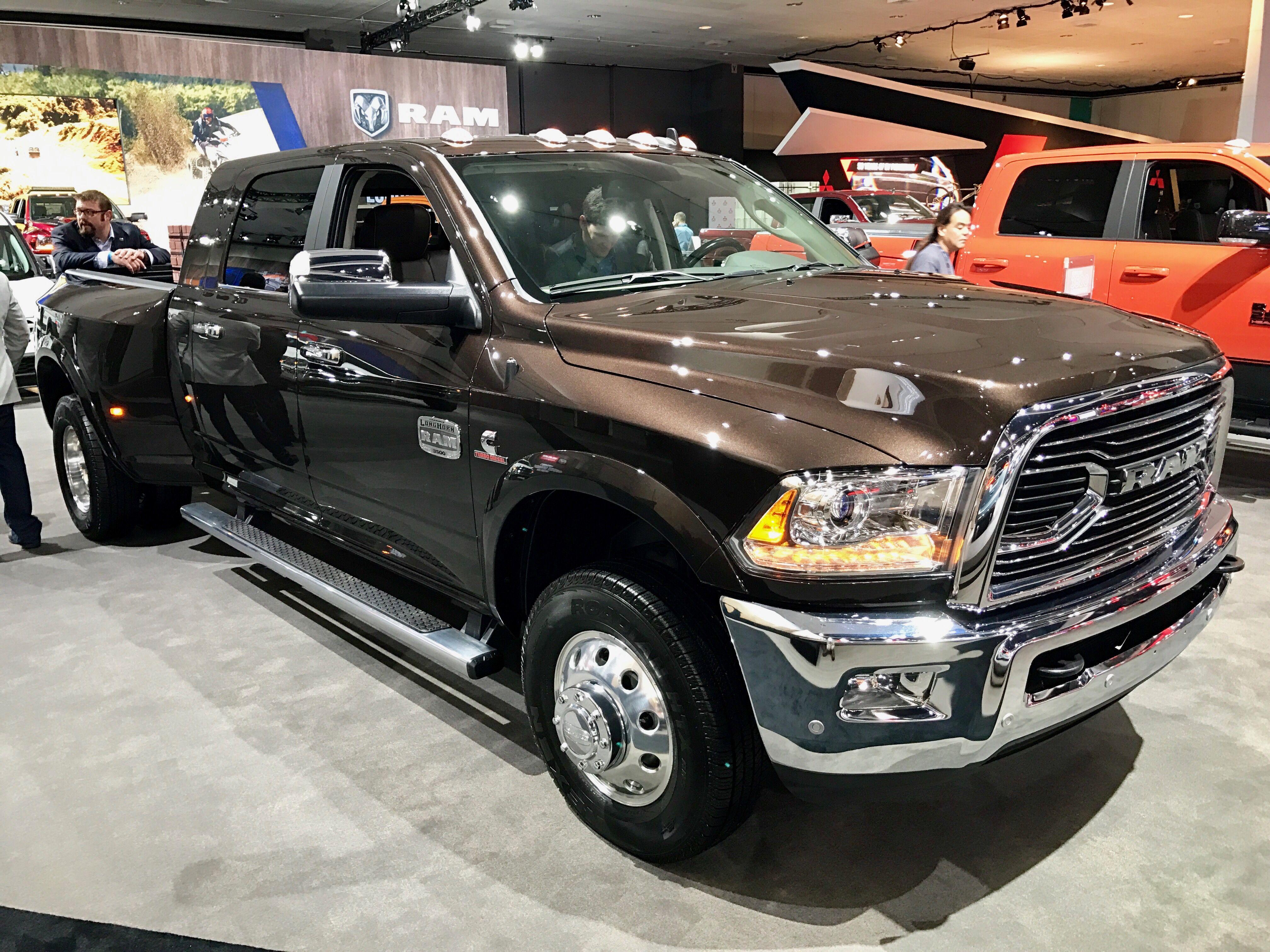 2017 ram 3500 longhorn 6 7l cummins diesel laautoshow trucks laramie trucks pinterest. Black Bedroom Furniture Sets. Home Design Ideas