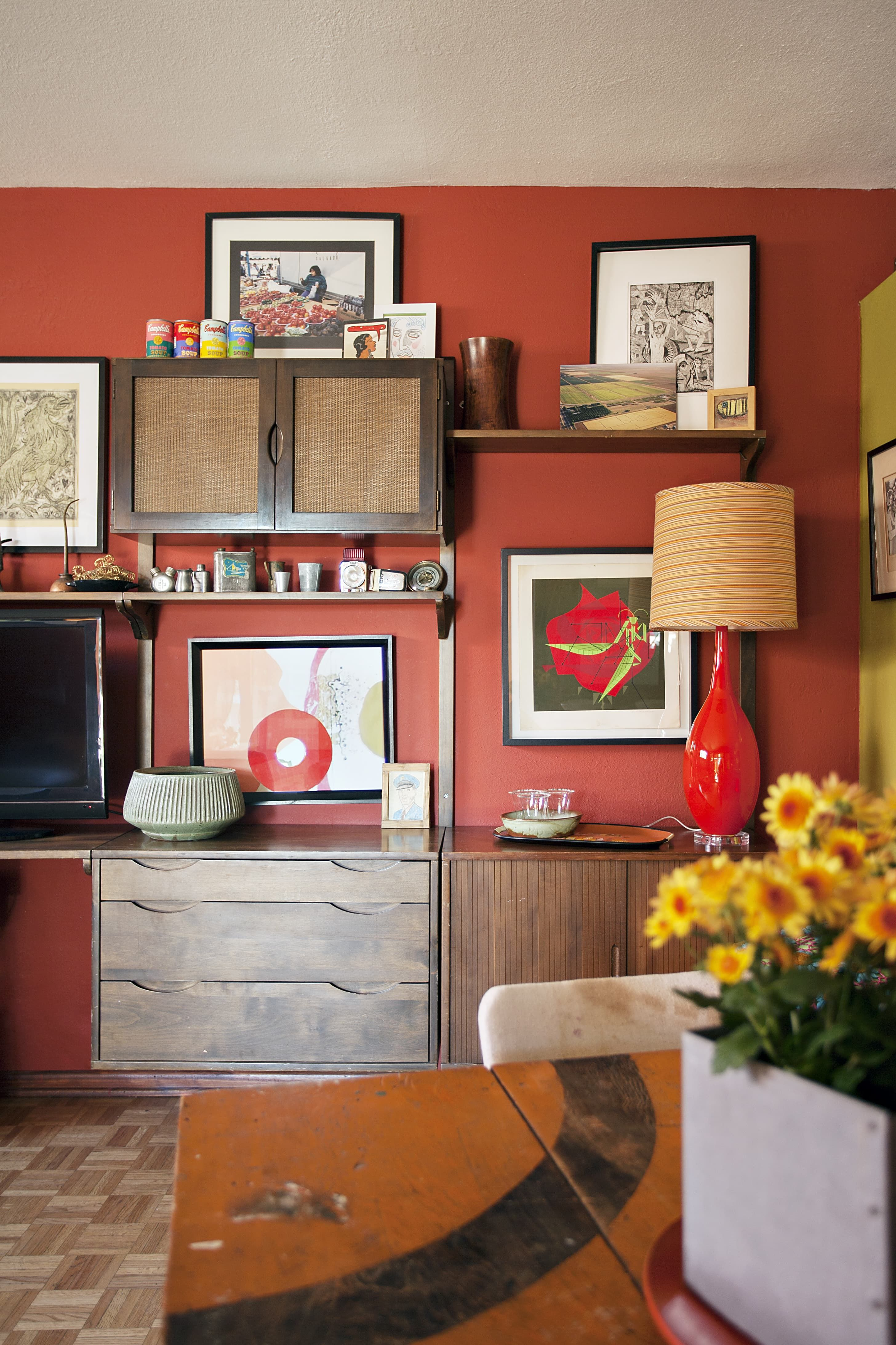 House Tour: A Colorful, Fearless Arizona Home | Family homes, House ...