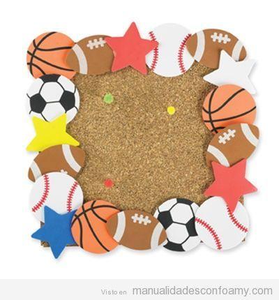 Marco de fotos en goma eva para niños con balones de deportes ...