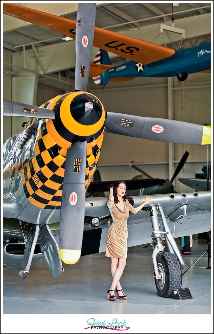 aviation museum, pin up session, retro photo shoot, retro glamour, military planes, world war planes, pinup girls, pin up calendar, dames and planes: