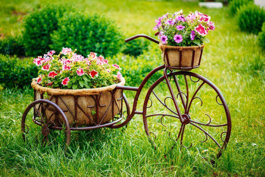 Ozdoby Do Ogrodu Stojak Na Kwiaty Design Urzadzanie Urzarzaniewnetrz Urzadzaniewnetrza Inspiracja Inspiracj Flower Garden Flower Planters Garden Gifts
