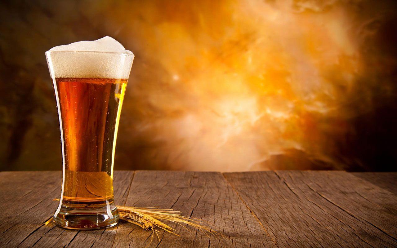 Super-accise sulla birra. Con l'aumento delle tasse sulla birra si rischia, dicono i produttori, di comprimere ulteriormente i consumi e creare oltre 9mila