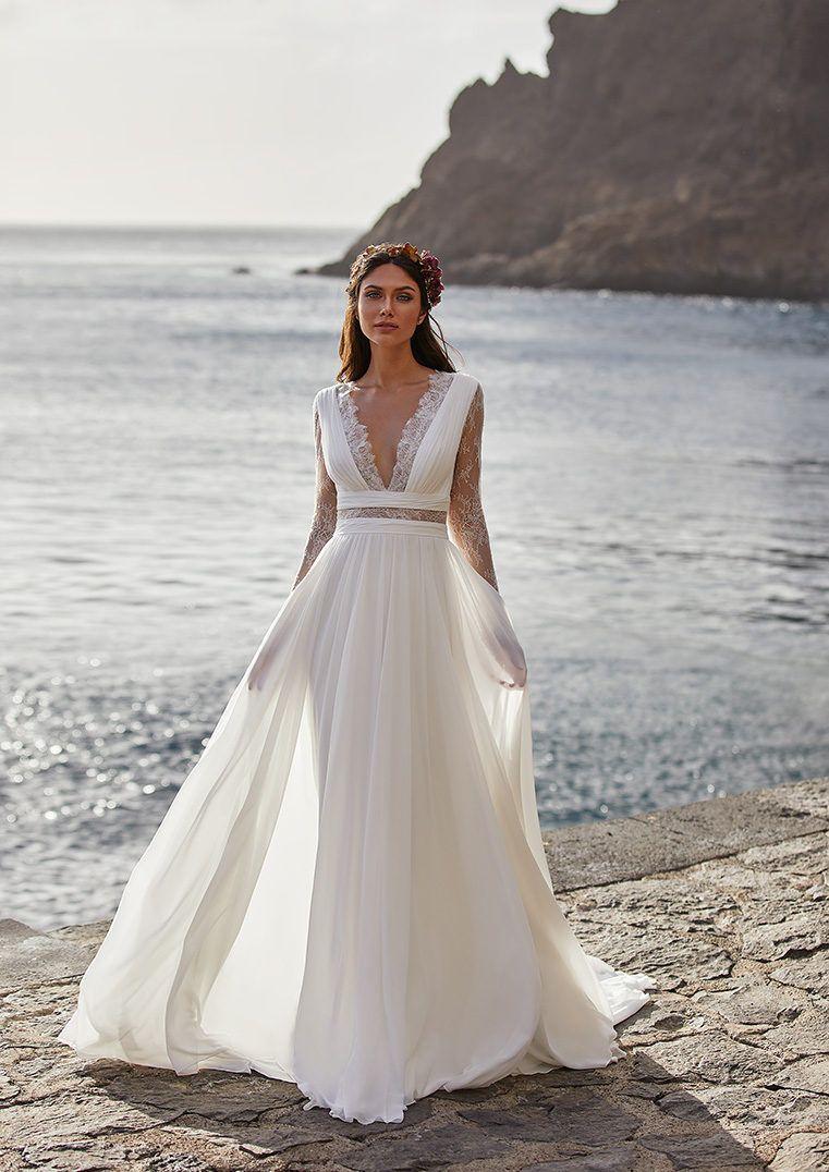 Chiffon V Neck Mermaid Wedding Dress With Long Sleeves And Lace Back Barry Pronovias Wedding Dress Stunning Wedding Dresses Wedding Dresses [ 1076 x 761 Pixel ]