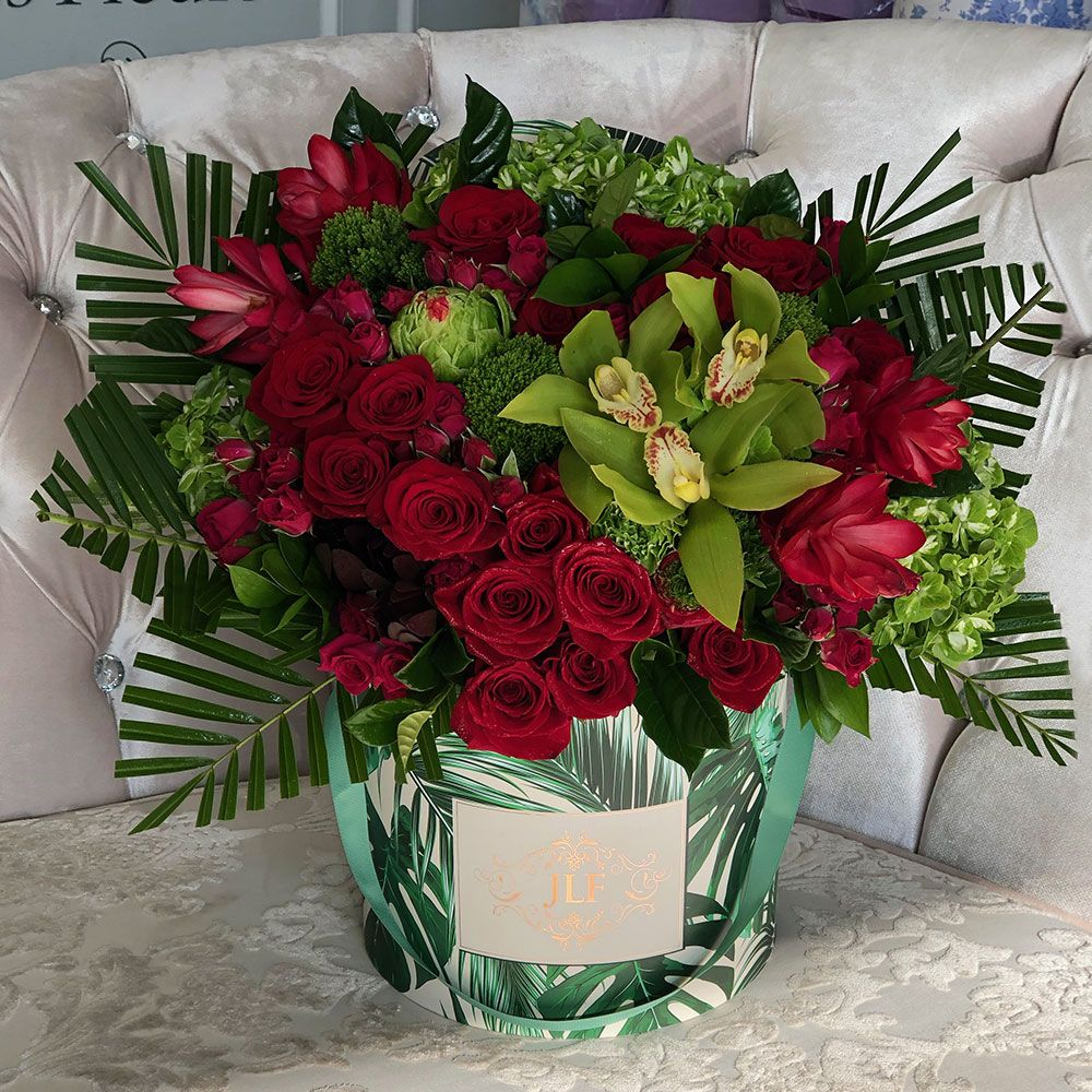 Reds In Boite De Palme Jlf Los Angeles In 2020 Beautiful Bouquet Of Flowers Fresh Flowers Online Flower Delivery