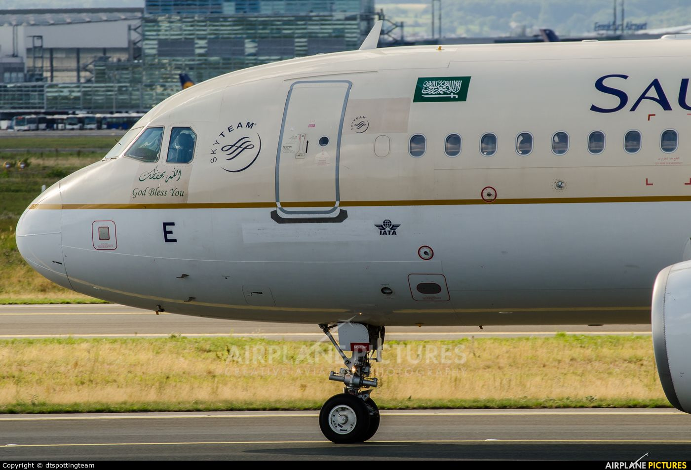 Airplane Pictures Net The Best Aviation Photos Online Arabia Airlines Airbus Airlines