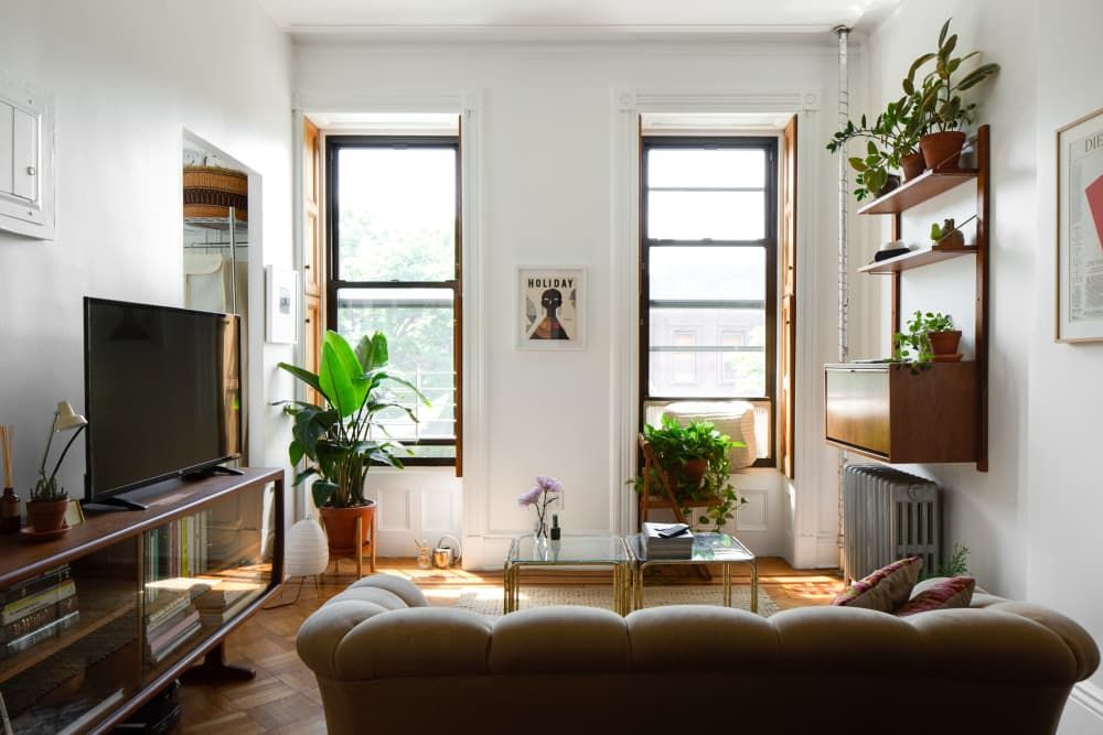 A 400 Square Foot Studio Feels Spacious And Serene Despite The Small Size Small Space Interior Design Living Room Designs Small Spaces