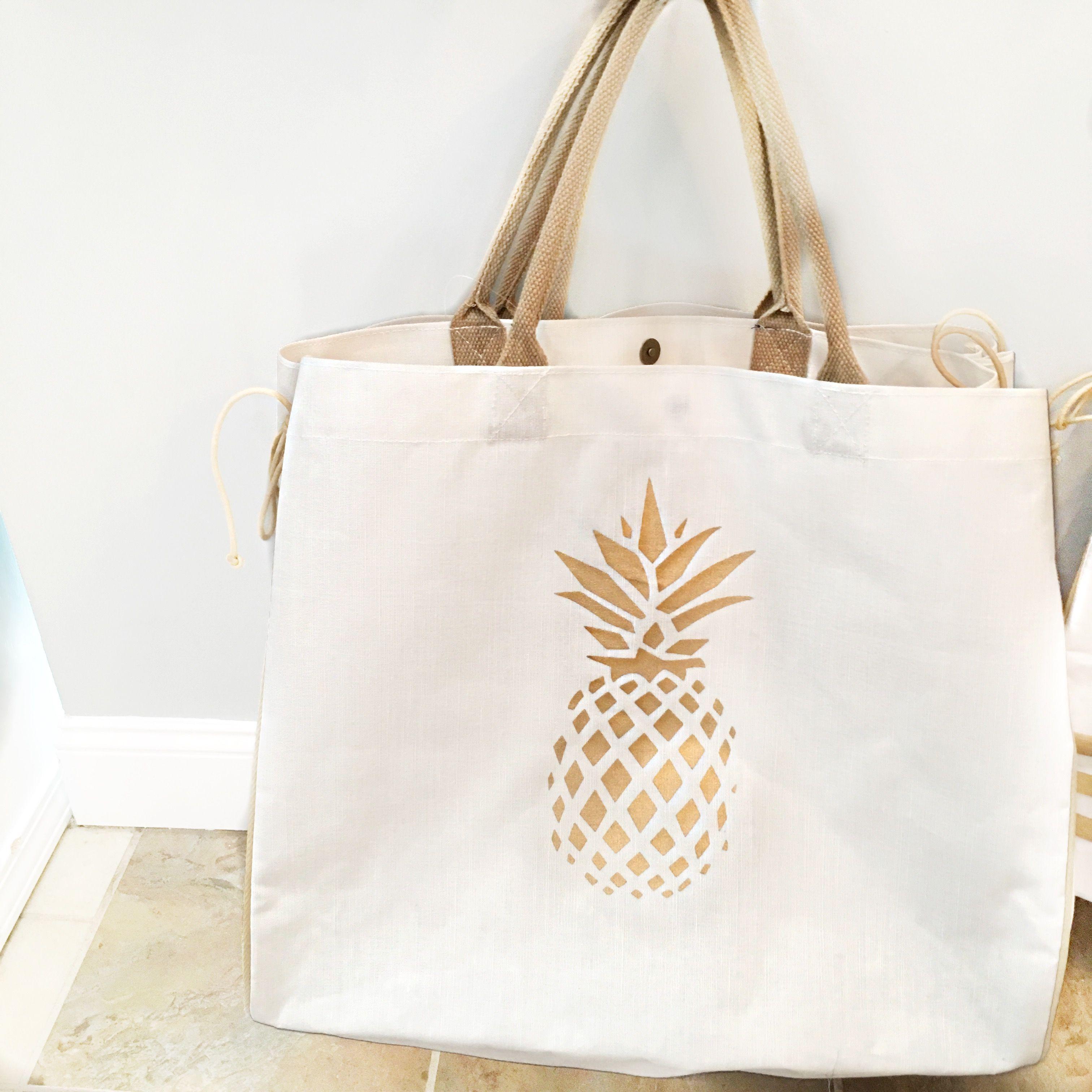 Fun gold pineapple beach bag! | Accessory Style | Pinterest | Gold ...