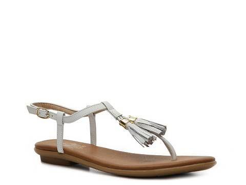 $25 Crown Vintage Maui Tassel Sandal