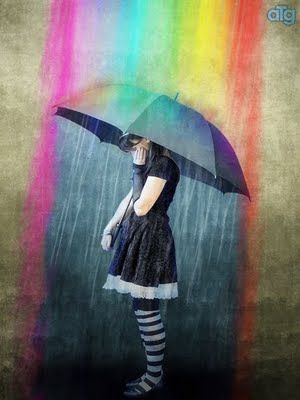 Dibujando Sonrisas Bajo Un Cielo Gris Con Un Gran Arcoiris De Colores Lluvia Veo La Lluvia Caer Dibujo De Sonrisa
