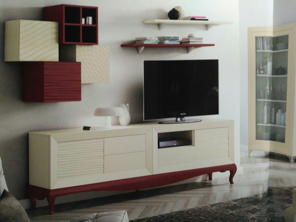Mueble de salón o de TV con frentes marfil y bancada con patas ...