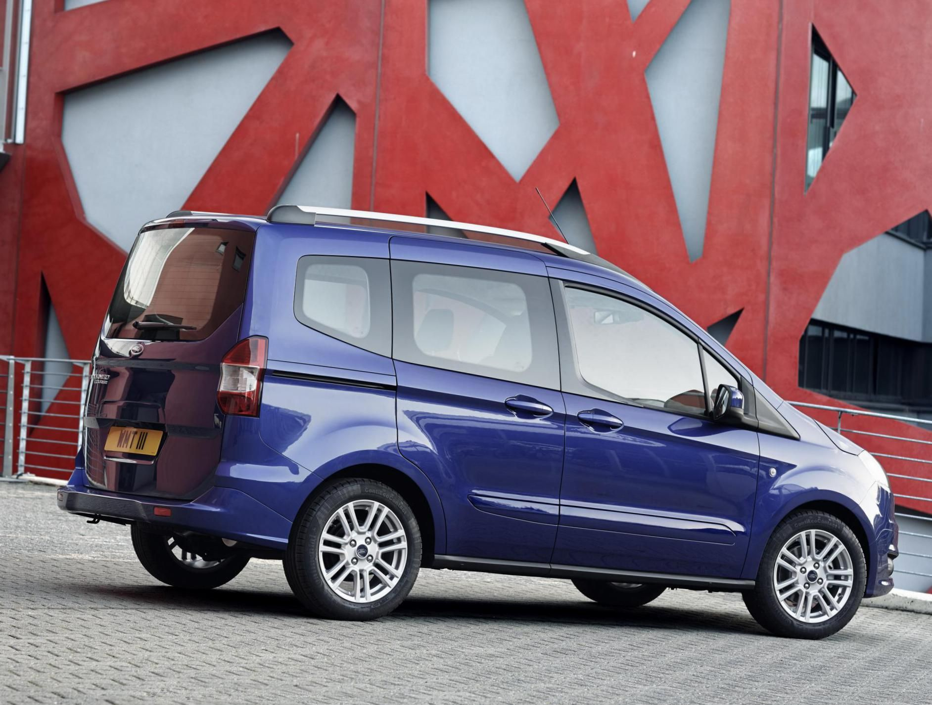 Ford tourneo courier pictures to pin on pinterest - Ford Tourneo Courier Photos And Specs Photo Ford Tourneo Courier Specification And 25 Perfect Photos Of Ford Tourneo Courier