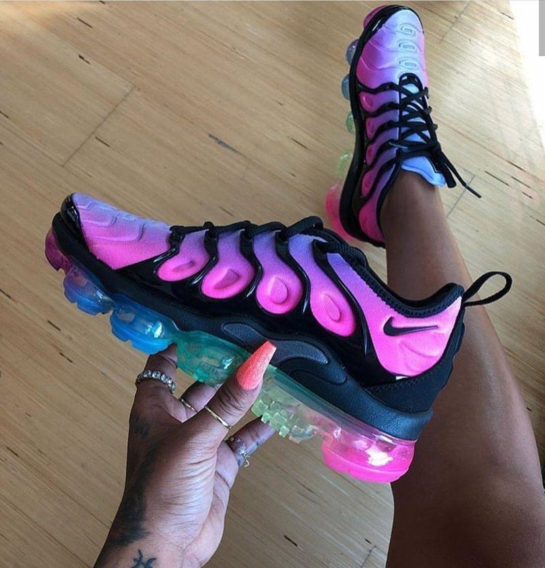 402683d3b2 Vapormax Plus Rainbow Passion – Simply Boutiq 123 | Shoes | Shoes ...