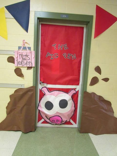 A pigpen door perfect for the farm theme classroom for Farm door ideas