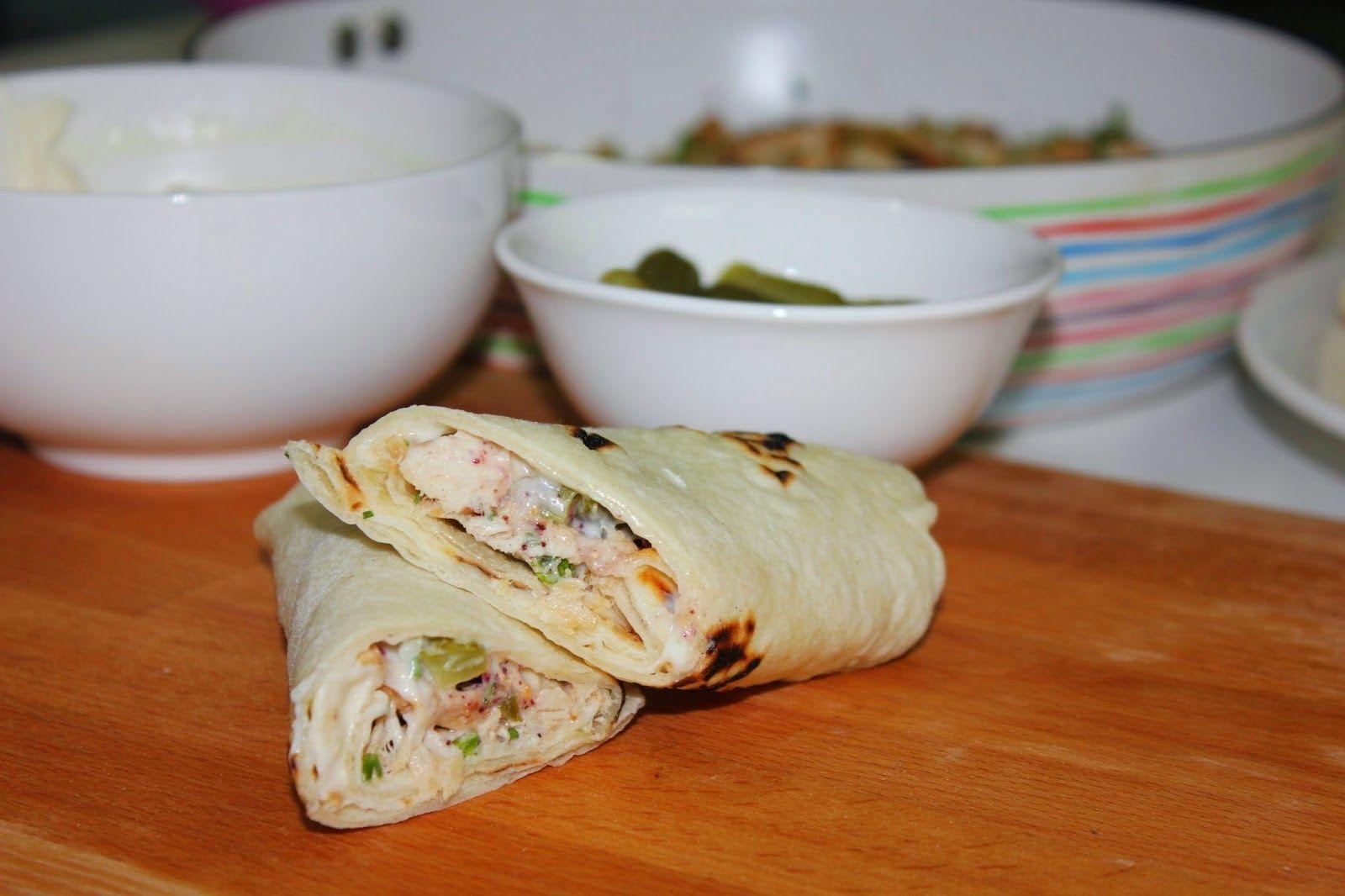 طريقة عمل الشاورما على طريقتي وطريقة عمل خبز التورتيلا للشاورما بالصور Recipes Food Middle Eastern Recipes