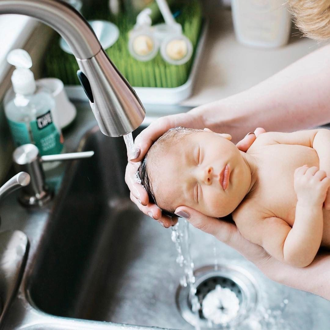 How to Give Your Baby a Bath | Bath, Babies and Parents