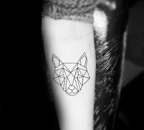 90 Geometric Loup Tattoo Designs For Men Idees Manly Encre Club Tatouage Tattoo Designs Men Minimalist Tattoo Geometric Wolf Tattoo
