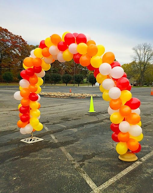 How to make a balloon arch without helium and frame