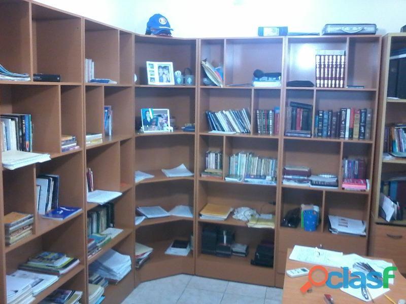 Biblioteca por modulos, fabricadas para adaptarlas a sus espacios. 04263478912  Clasf