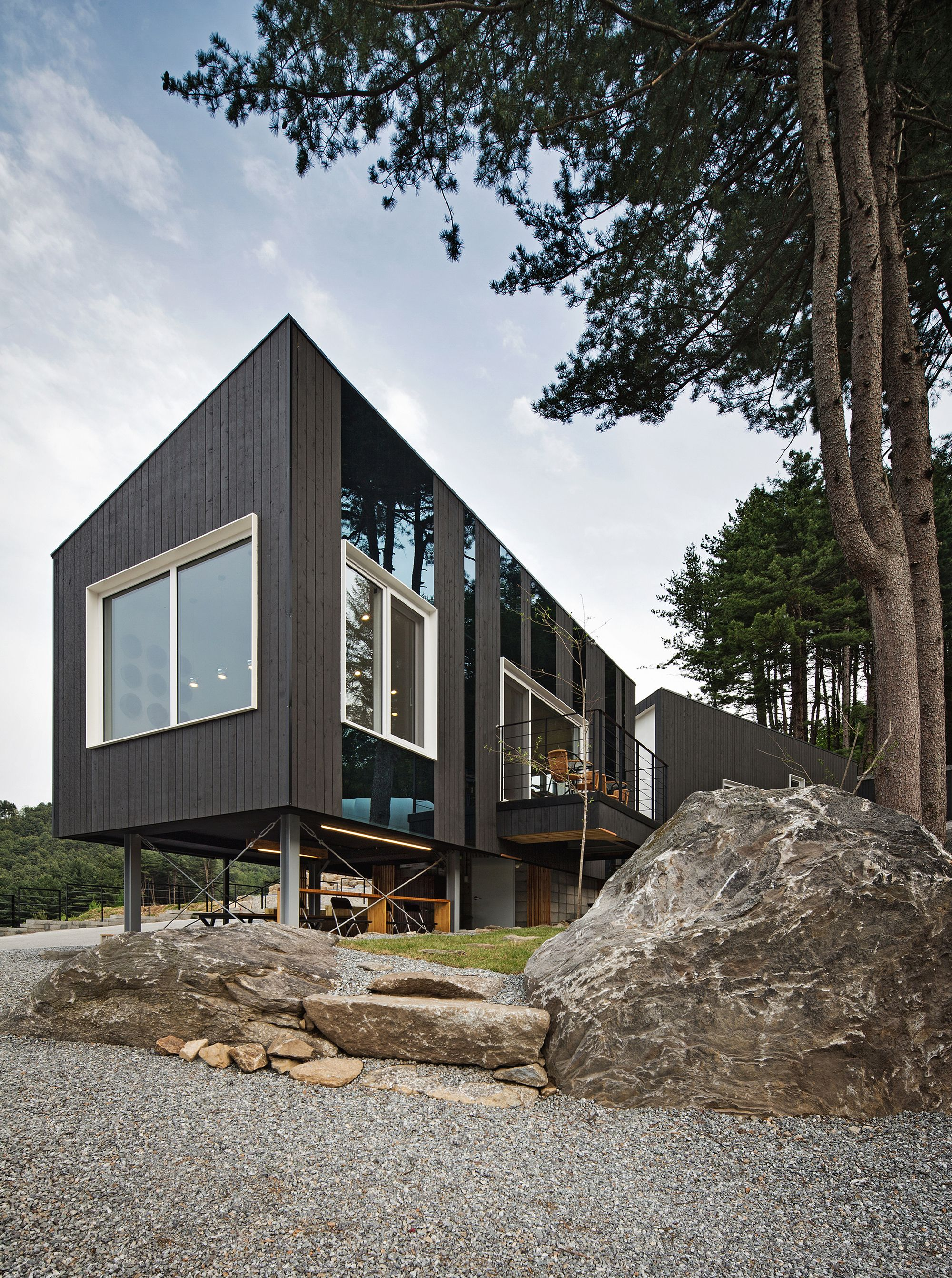 Glamping on the Rock / ArchiWorkshop | Architecture_Housing | Pinterest