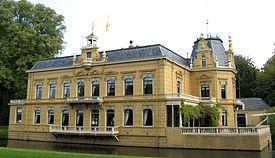 Nienoord, een landgoed in Leek. Op het landgoed is ook het Nationaal Rijtuigmuseum.