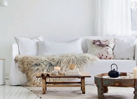 Scandinavisch interieur warm en tijdloos entry hall tables and