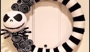 Resultado de imagen para decorar puertas para halloween