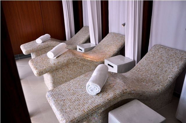 Heated Tiled Seats Spa Lounge Spa Furniture Poolside
