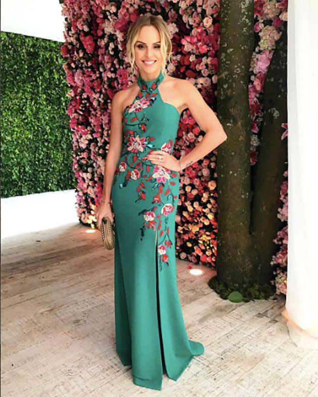 f98d02a11 Comprar · Vestidos Sencillos · A blogueira Layla Monteiro, de Patricia  Bonaldi verde com flores rosas. Lindo, né