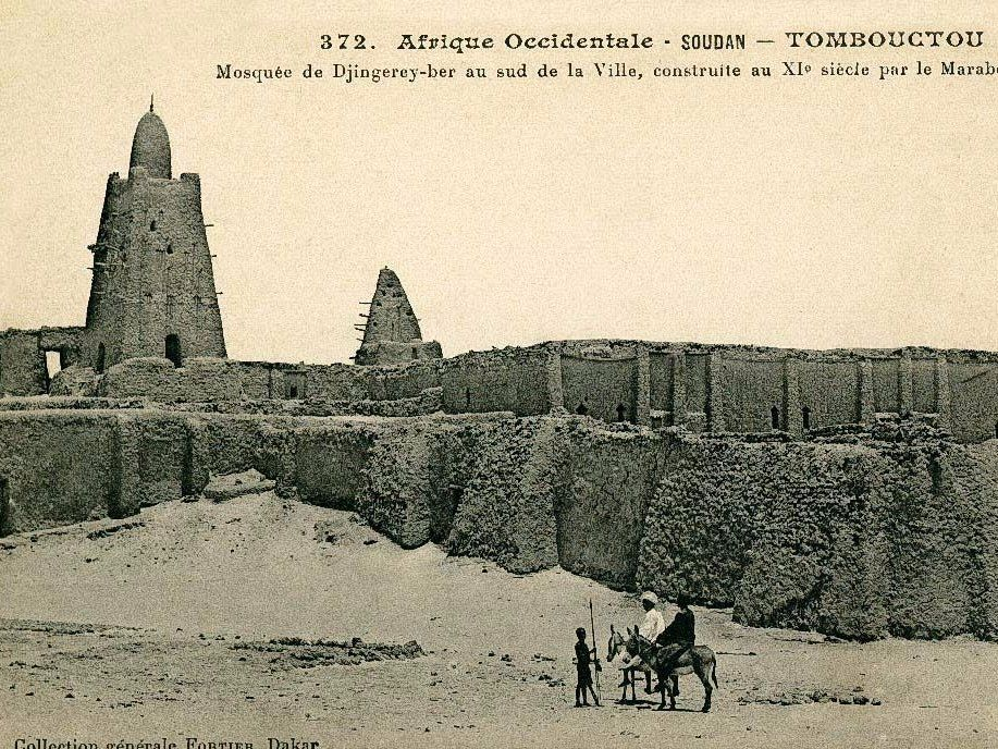 He also built the legendary Djinguereber Mosque in Timbuktu, pictured below, which still stands.