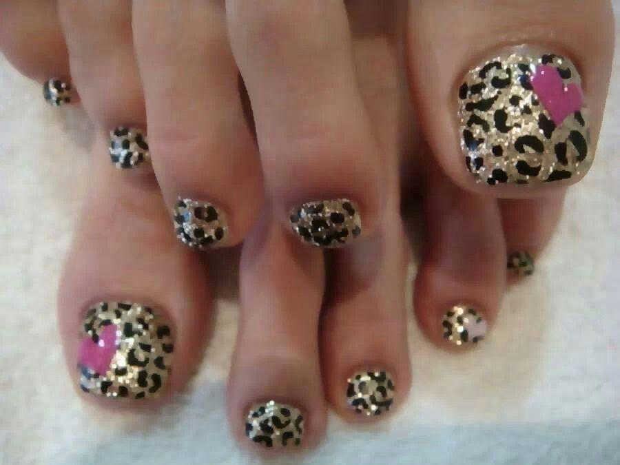 Cheetah toes