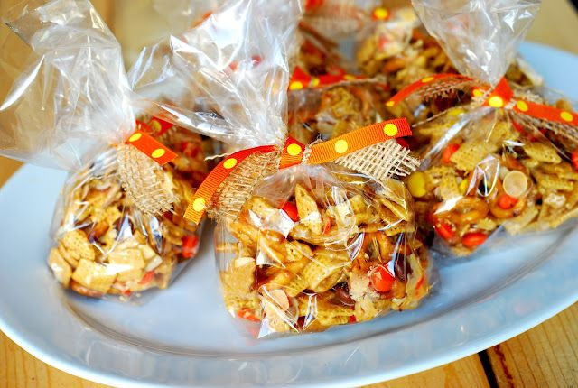 reeses pieces chex mix we can make christmas colors